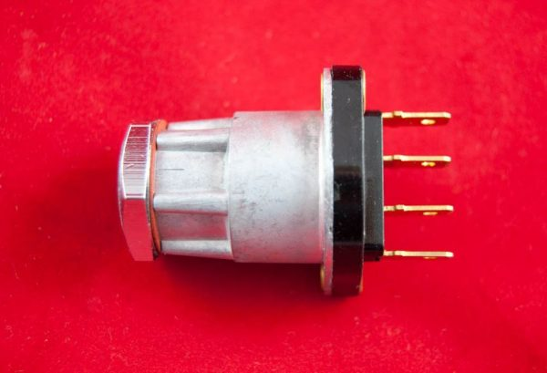 TRIUMPH Lucas 30608 ignition switch for later unit machines. Switch without lock. *