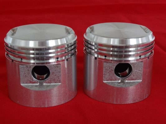 "Pre-unit Thunderbird Iron engine pistons, 0.060"". Pr"