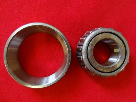 TriumphTaper roller bearing QD REAR WHEEL