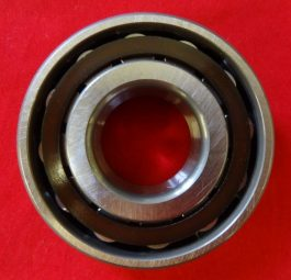 """C"" range drive side roller bearing, '68 on - end feed."
