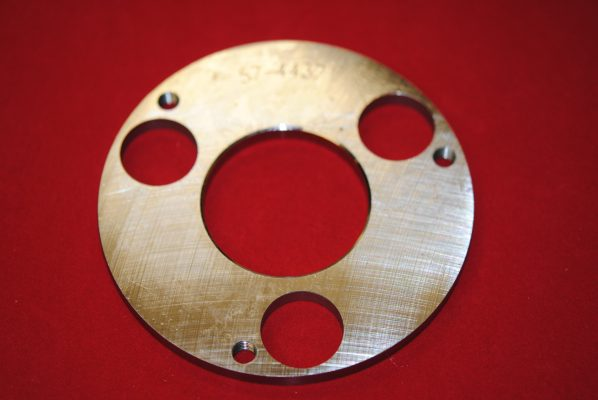Centre outer plate for CL21.