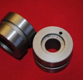 Unit 650 bearing sleeves, per pair.