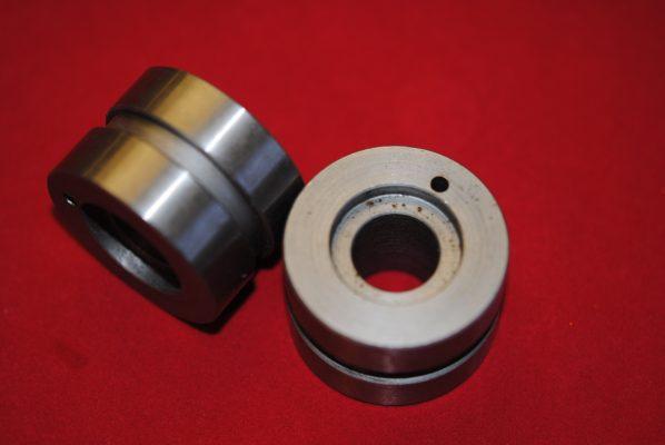 Unit 650 bearing sleeves, per pair.