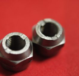 Triumph Big-end nuts, UNF  and new con-rods), per 4.