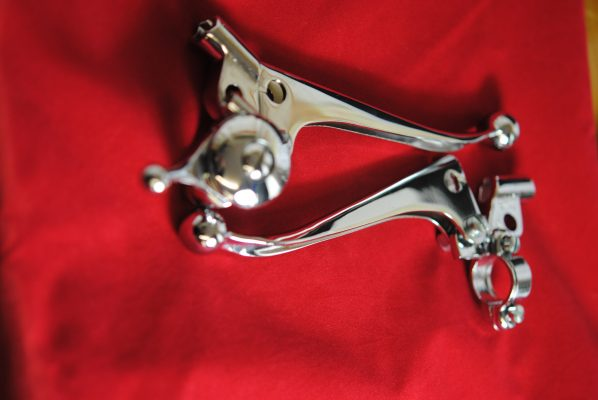 "Control levers 7/8"" ball ends, sliding adjusters, horizontal clamp, combination air lever, '64-'69. Pair"
