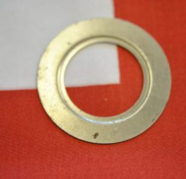 Triumph rear wheel Grease retainer between bearing and locking ring (speedo drive) '64 on