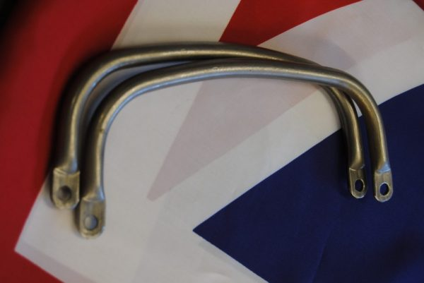 Lifting handles for MG9A, per pair.